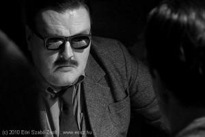 Kihallgatás - a szemüveg mögött ifj. Jászai László színművész